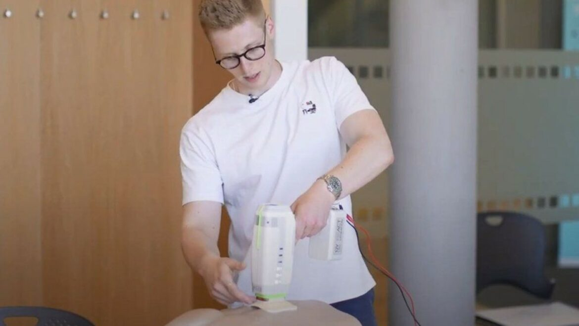 Student Builds Life-Saving Device that Can Instantly Stop Bleeding from Stab Wounds