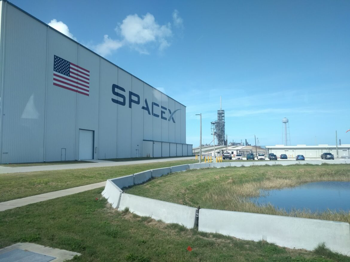 Elon Musk expects to launch Starlink broadband internet to the world as soon as August